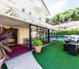 thumbs  - Garden and veranda - Hotel Monica Pinarella di Cervia (8/43)