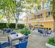 thumbs  - garden with tables and chairs - Hotel Viking Viserbella di Rimini (10/43)