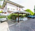 thumbs  - view of the gazebo and parking - Hotel Vera Cesenatico Centro (6/49)