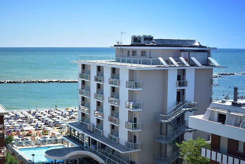 See beautiful sunrises directly on the sea - Hotel Universal Bellaria (1/53)