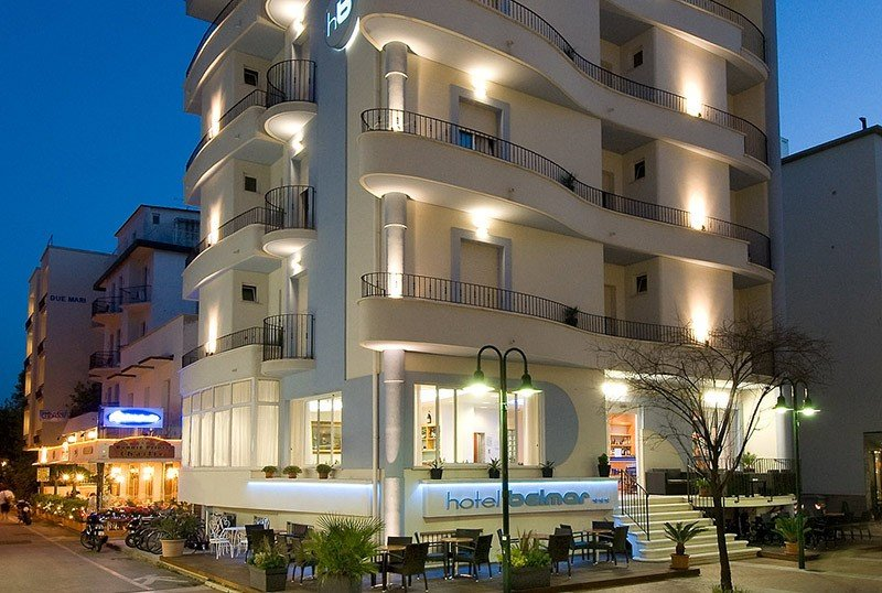 Outside night via dante - Hotel Belmar Cattolica (2/56)