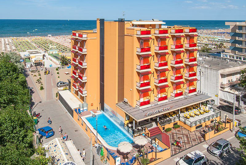 3 star hotel with swimming pool on the beach in Rivazzurra - Hotel Ariane Rivazzurra di Rimini (2/32)