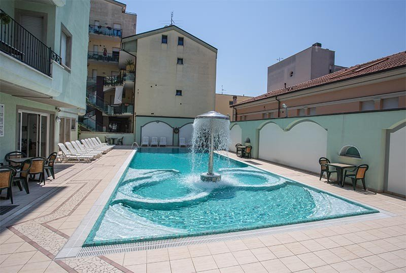 Swimming pool at the residence again - Hotel & Residence Ancora Cattolica (2/27)