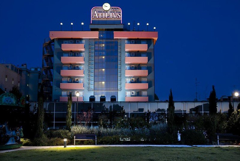 Overview at night - Hotel Atilius Riccione (1/58)