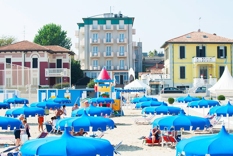 Hotel Alsen Fronte Mare seen from the beach - Hotel Alsen Viserbella di Rimini (2/29)