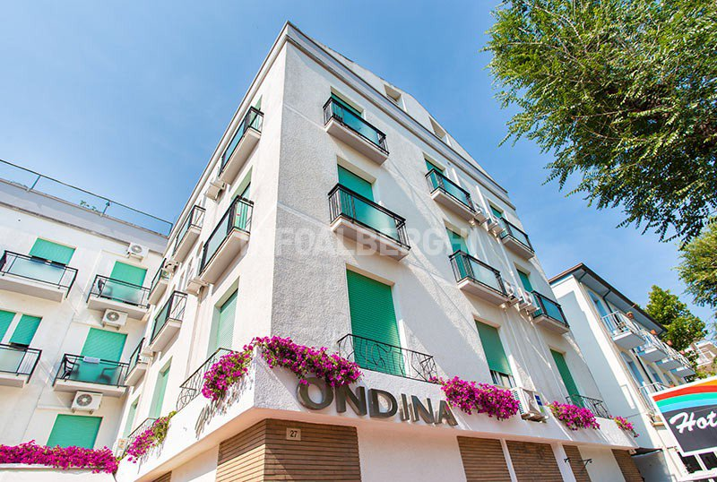 facade of the hotel - Hotel Ondina Cattolica (2/48)