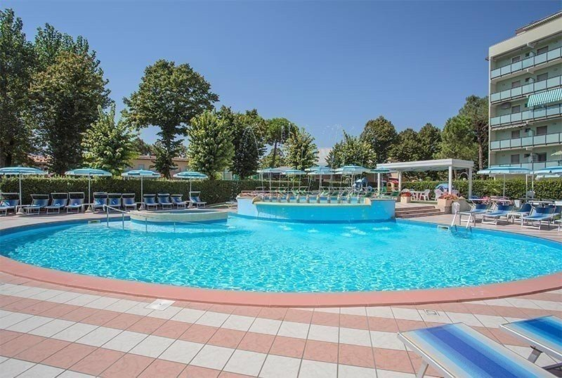 3 heated swimming pools for adults, children, whirlpool - Hotel Smeraldo Valverde di Cesenatico (2/27)
