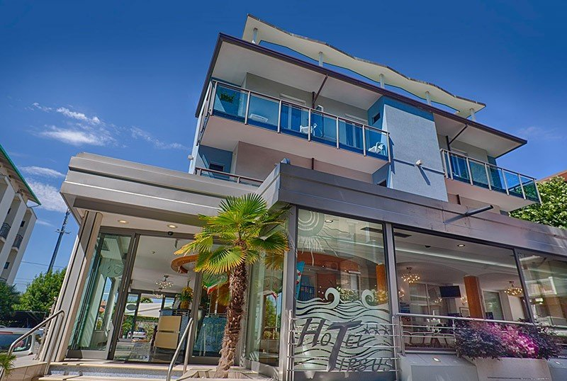 Hotel near the center and just steps from the sea - Hotel Tirsus Igea Marina (2/21)