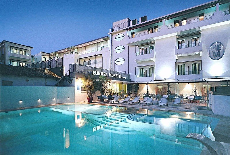 The swimming pool: 80 m., From 40 cm to 160 cm - Hotel Europa Monetti Cattolica (2/34)