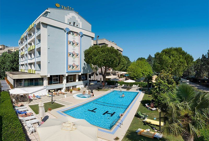Pool always exposed to the sun - Hotel Tiffany's Cattolica (2/41)