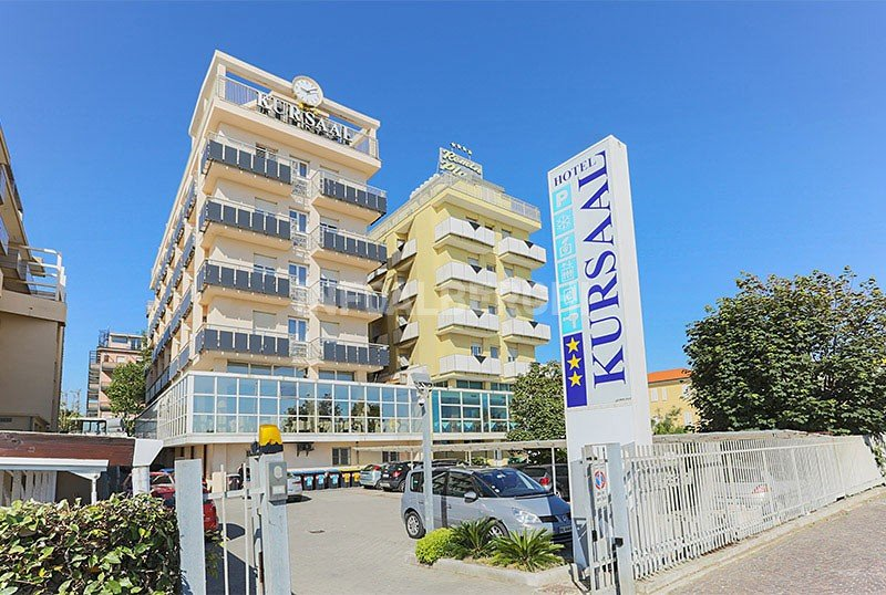 Exterior hotel facing the sea - Hotel Kursaal Rimini Mare (1/48)