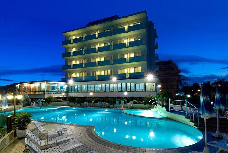 directly on the sea - Strand Hotel Colorado Lido di Savio (1/62)