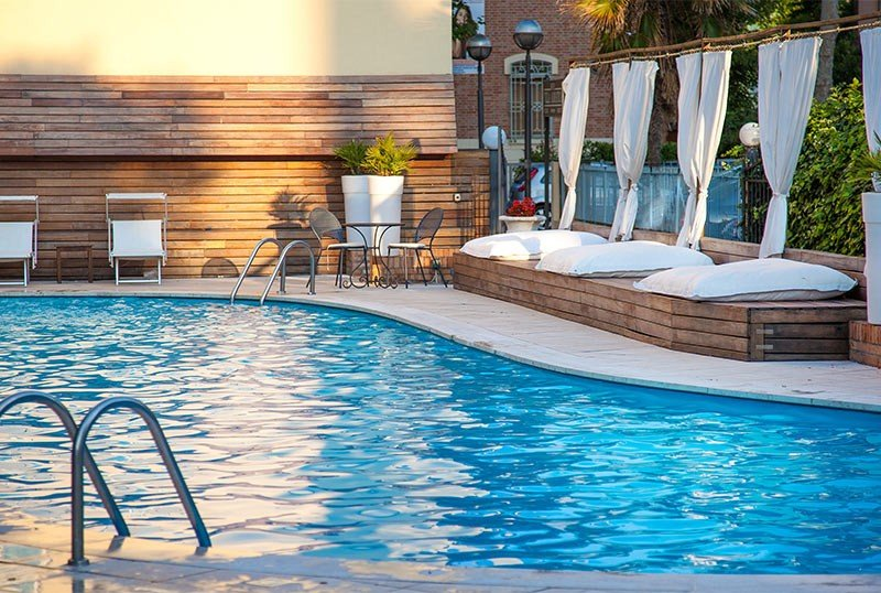 swimming pool with solarium - AmbientHotels Villa Adriatica Rimini Mare (2/81)