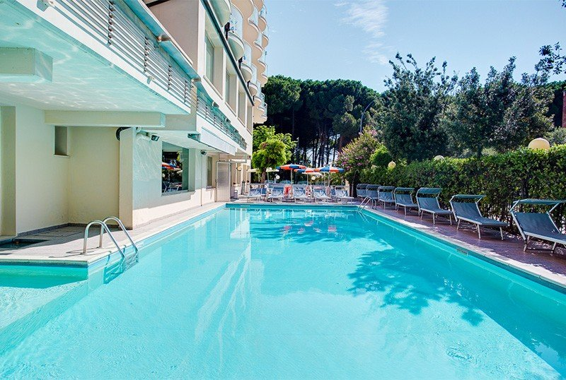- Club Hotel Everest Pinarella di Cervia (2/23)