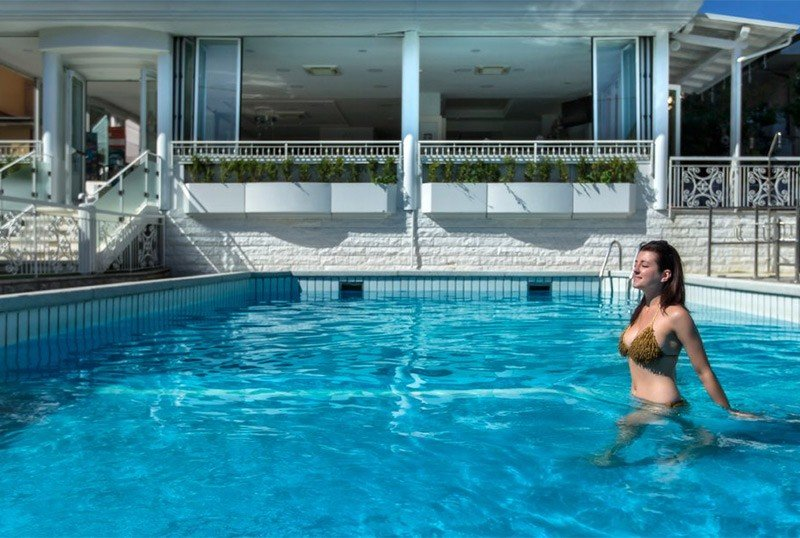 private pool, heated, with double depth - Hotel Clitunno Misano Adriatico (2/35)