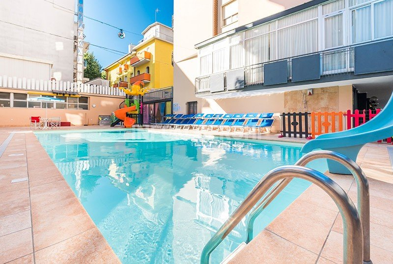 Our swimming pool, large, heated and with a slide - Hotel Christian Rivazzurra di Rimini (1/58)