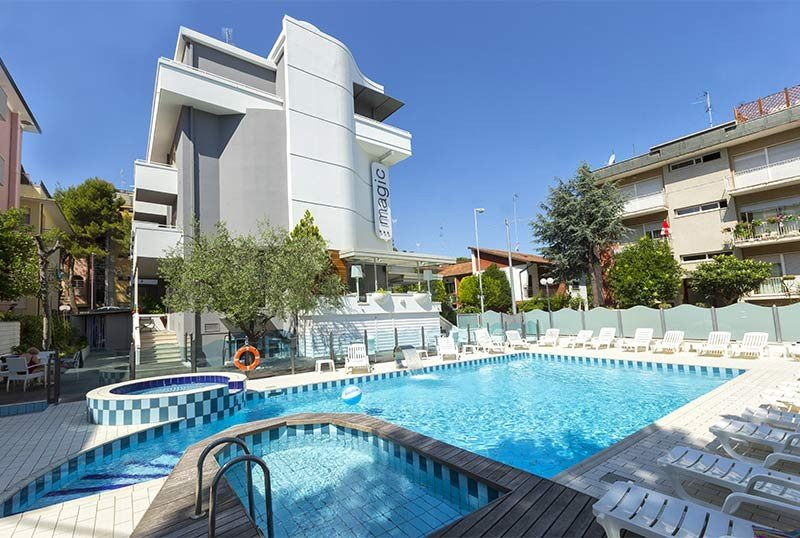 wellness center and hotel front - Hotel Magic Riccione (2/40)