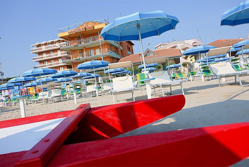 Exterior facade from the beach - Hotel Cola Bellaria (2/56)